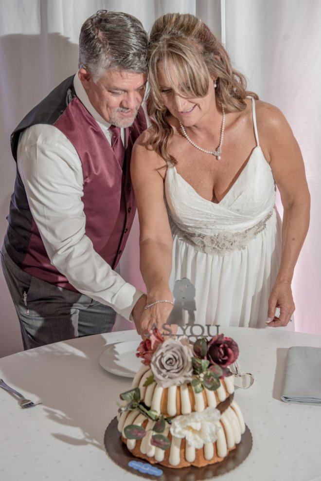 cake cutting photo